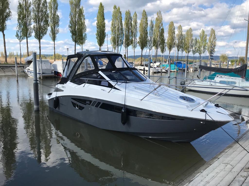 Cobrey 28 SC grau im Wasser Bodensee
